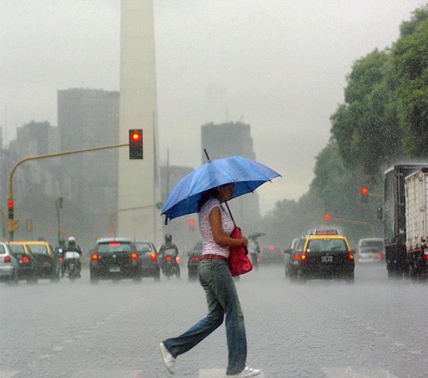 Las lluvias traerán alivio tras una jornada agobiante - Diario 26