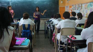 """El Gobierno prevé el regreso a las aulas """"en agosto, tras las vacaciones de invierno"""""""