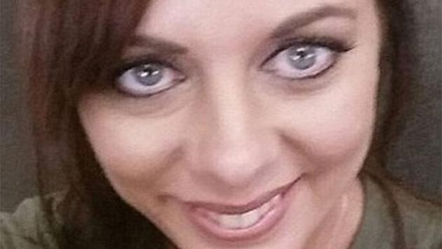 Condenan a 10 años de cárcel a mujer por enviarle fotos
