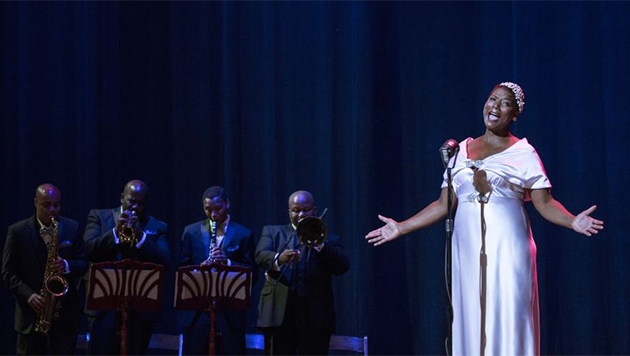 Queen Latifah como Bessie Smith en Bessie