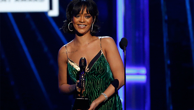 Billboard 2016 - Rihanna
