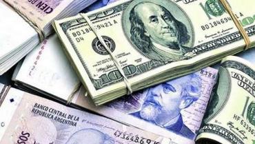 Ferreres: la inestabilidad cambiaria frenó el repunte económico en octubre