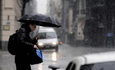 Rige alerta meteorológica por tormentas, ráfagas y ocasional caída de granizo en la Ciudad