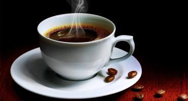La ANMAT prohibió la venta y el consumo de un café instantáneo y unos duraznos enlatados