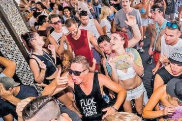 Fiestas electrónicas: alertan por droga que da potencia sexual para resistir coitos grupales
