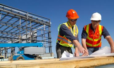 INDEC: la industria cayó 8,8% y la construcción 7,5% en abril