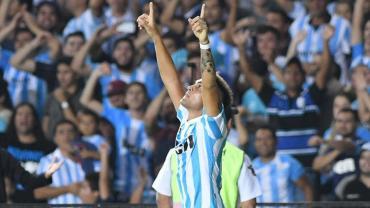 Superliga: Racing logró su quinto triunfo seguido, ahora sobre Vélez