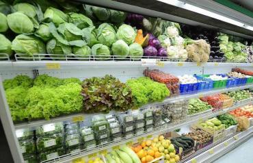 Por tarifazo e inundaciones: lechuga y otras verduras llegan a precios récord