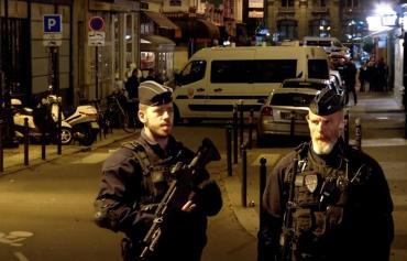 Ataque en París: la policía francesa detuvo a los padres del terrorista