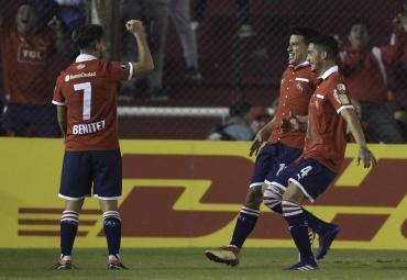 Independiente hizo los deberes: ganó y se clasificó a octavos de la Libertadores