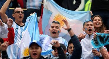 Hinchas argentinos dejan de usar tarjeta y controlan gastos por suba del dólar