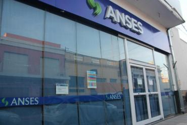 Gobierno toma 86 mil millones de pesos de la ANSeS en busca de financiamiento