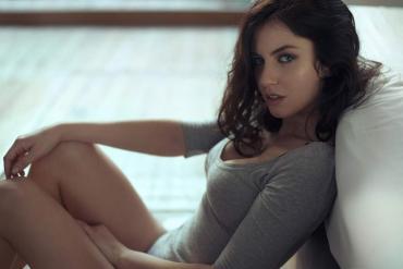Diosa Mundial: Aurela Skandaj, la sensual belga que celebra el tercer puesto en Rusia