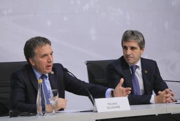Según Bloomberg, el colapso de la moneda argentina fue por mala comunicación del Gobierno