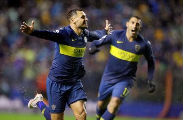 Boca venció a Libertad por copa Libertadores y la Bombonera festejó bajo la lluvia