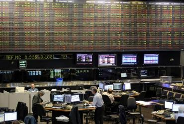 Por volatilidad global e incertidumbre local, el Merval se hundió 3,9%