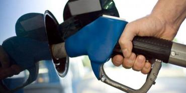 Imposible llenar el tanque: litro de nafta llega a $ 54 en Nordeste argentino