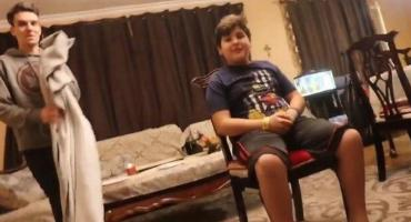 Video viral: youtuber le hizo creer a su hermano que era invisible y revolucionó redes sociales