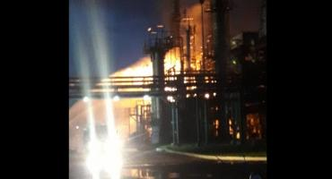 Incendio de magnitud en destilería de Bahía Blanca