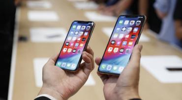 """Feministas critican a Apple porque nuevo iPhone es """"demasiado grande"""" para mujeres"""