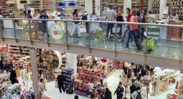 INDEC: ventas en shoppings cayeron 22,9% y en supermercados 12,6%