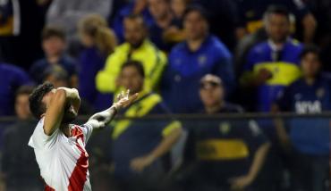 Superclásico: River selló la victoria ante Boca con este golazo de Scocco