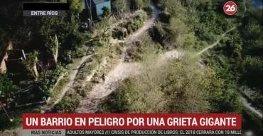 Entre Ríos: crece la grieta y evacúan las casas de Villa Diamante