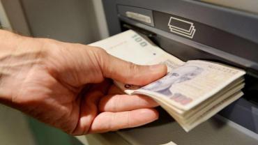 Jubilados y pensionados públicos sin bono y con reducción del 15% del personal