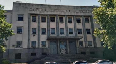 Renunció máximo responsable de la Casa de la Moneda: otra salida en el Gabinete Nacional