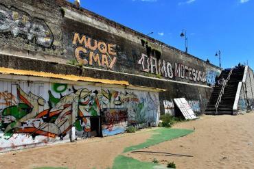 La Perla, bajo administración de Arroyo: sucia, en ruinas y sin baños
