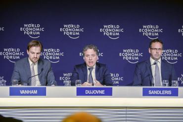 Dujovne en Davos: