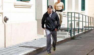 Tras el pedido de detención, Martín Báez se presentó ante la Justicia