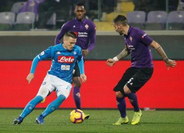 Serie A: Napoli no pudo con Fiorentina y se aleja del líder Juventus