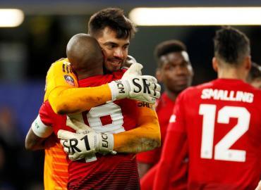 Copa FA de Inglaterra: Manchester United, con Romero en el arco, eliminó al Chelsea de Higuaín