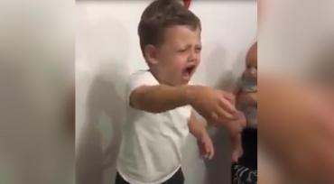 Video viral: tenía que cantar el Felíz Cumpleaños, pero cantó por Pity Martínez