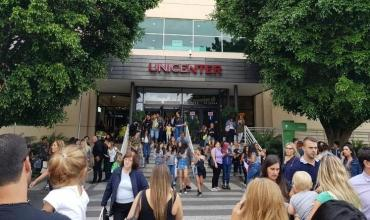 Evacuaron el shopping Unicenter por amenaza de bomba