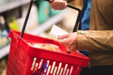 Tras disparada del dólar, proyectan inflación con piso de 40%