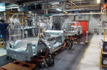Industria automotriz en crisis: VW suspenderá operarios en planta de Pacheco todo el año
