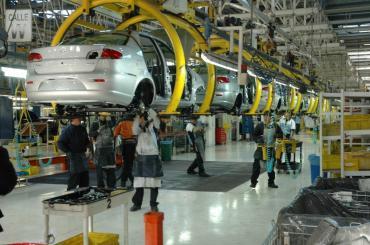 La producción de un auto en la Argentina es mucho más caro que en México y Brasil