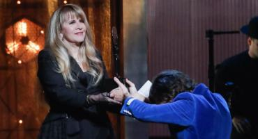 Stevie Nicks, la primera mujer en ingresar 2 veces al Salón de la Fama del Rock & Roll