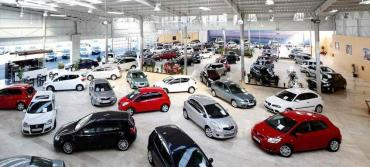 Venta de autos cayó 54% en marzo, el peor primer trimestre desde 2006