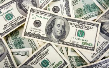 Tras cambios en la política monetaria, el dólar cedió 46 centavos y cerró a $45,55