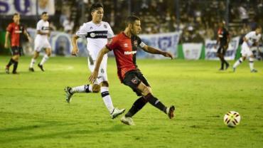 Newell's le ganó en la última jugada a Gimnasia por Copa Superliga