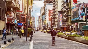 La avenida Corrientes se reabrió al tránsito tras inauguración de paseo peatonal