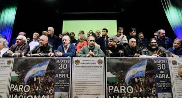 Gremios ratificaron el paro y una movilización para el martes 30 de abril