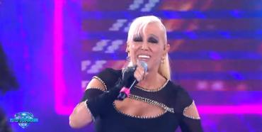 El blooper de Valeria Lynch en la apertura de ShowMatch 2019
