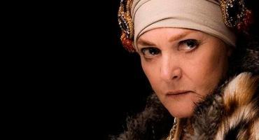 Teatro: Madre Coraje, con Claudia Lapacó