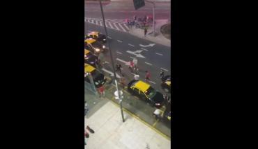 Taxistas vs. Uber: el video de una nueva batalla campal en el centro porteño