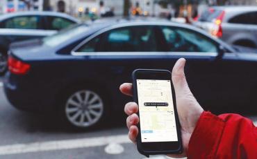 ¿Cómo afectará a usuarios que aplicación como Uber y Cabify paguen impuestos?