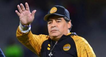 Maradona seguirá a cargo de Dorados, pero pide